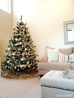 Our Christmas Tree this year! http://www.livelovediy.com/2012/11/a-handmade-christmas-decorating.html