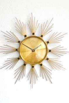 We're starry-eyed for this vintage clock. Sunburst Clock, Antique Clocks, Vintage Clocks, Kitchen Wall Clocks, Retro Clock, Cool Clocks, Wall Clock Design, Mid Century Modern Furniture, Mid Century Design