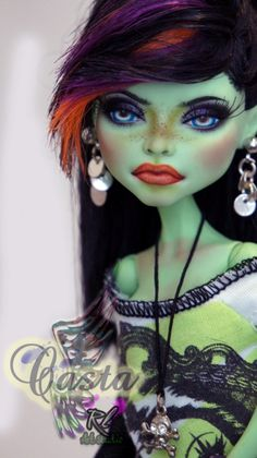 OOAK Monster High Custom Repaint dressed Casta Fierce by Rogue Lively OOAK Monster High Custom Repaint dressed Casta by RogueLively I love the use of freckles here. Custom Monster High Dolls, Monster Dolls, Monster High Repaint, Custom Dolls, Love Monster, Ooak Dolls, Art Dolls, Bjd, Monster High Ghoulia