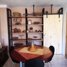 Estanteria estilo industrial Loft, Ladder Bookcase, Shelves, Home Decor, Industrial Style Furniture, Custom Furniture, House Decorations, Art, Shelving