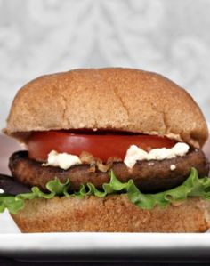 Veggie-Burger mit Ziegenkäse: http://www.gofeminin.de/kochen-backen/burger-rezept-s1745067.html