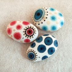 from the samples of a portfolio for a custom order , aiming to bring the nazar eye of the east into an easter egg of the west...      handpainted sea stone, from the beaches of north Aegean sea...    the patterns are on one surface...    dims : 6,5 x 5 cm / 2,6 x 2 inches