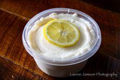 Lemon Snow Cream - The Barn  1 cup milk  1/4 sugar 1 tsp vanilla 5-6 cups snow Add fresh lemon juice top with lemon slice