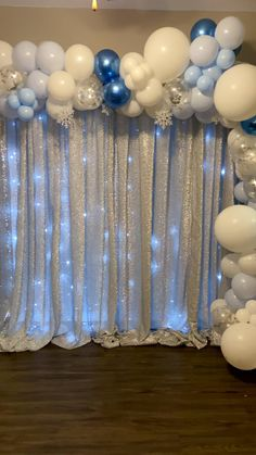 Birthday Balloon Decorations, Birthday Balloons, Birthday Party Decorations, Baby Shower Decorations, Party Decoration Ideas, Silver Party Decorations, Frozen Party Decorations, Quince Decorations, Gold Party Decorations