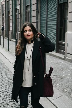 #outfit wearing #choker, black jeans, burgundy bag, black coat and sneakers. #porto