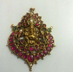 Beautiful temple jewellery with polki