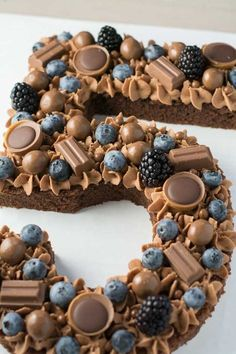 Talk cake with blueberries and chocolate - natural - .-Sprechen Sie Kuchen mit Blaubeeren und Schokolade – Natur – Mode – Reise Leidenschaft – Handwerk Talk Cake with Blueberries and Chocolate – - Food Cakes, Cupcake Cakes, Bolo Original, Appetizer Recipes, Dessert Recipes, Cupcake Recipes, Potluck Recipes, Beaux Desserts, Mini Desserts