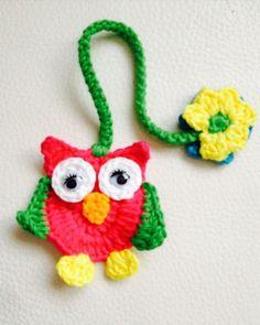 Búho marcapáginas en crochet   Panderetas.es Crochet Owls, Crochet Food, Knit Crochet, Crochet Patterns, Knitting Projects, Crochet Projects, Duct Tape Crafts, Book Markers, Crochet Bookmarks