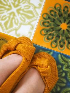 Lystikäs koti: Solmu Koti, Knitting Socks, Knit Crochet, Slippers, Crocheting, Shoes, Diy, Fashion, Knit Socks