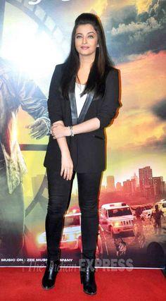 Aishwarya Rai Bachchan at the trailer of 'Jazbaa' in Mumbai. #Bollywood…