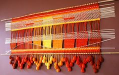 Telaresytapices .... Maria Elena Sotomayor Weaving Textiles, Weaving Art, Tapestry Weaving, Loom Weaving, Hand Weaving, Straw Weaving, Contemporary Carpet, Weaving Wall Hanging, Weaving Techniques
