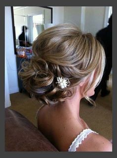Beautiful Wedding Updo for Medium Length Hair