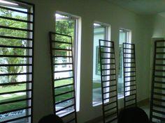Home Window Grill Design, Window Grill Design Modern, Balcony Grill Design, Door And Window Design, Grill Door Design, Door Gate Design, Roof Design, Exterior Design, Steel Grill Design