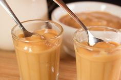 A sweet taste of sweetened milk with a caramel touch: it is our Dulce de Leche dessert cream! Low in calories with only 93 kcal, it is also low in carbohydrate and high in protein to be a light and healthy dessert! Protein Diets, Gluten Free Cookies, Low Carb Diet, Sweet Desserts, Food, Muffin, Tea, Nutella Products, Glass Coffee Cups