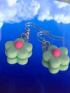 Diy Clay Earrings, Funky Earrings, Earrings Handmade, Handmade Jewelry, Polymer Clay Charms, Polymer Clay Jewelry, Polymer Clay Flowers, Kawaii Jewelry, Cute Jewelry