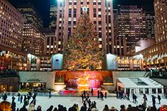 every good christmas movie has assured me that i should invest in visiting new york during this time of year.