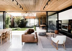 Courtyard House by Figr Architecture