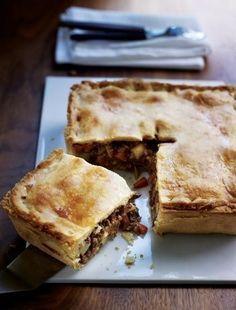 Shortcrust pastry Recipes - Meat and potato pie. Savory Pastry, Shortcrust Pastry, Savoury Baking, Savoury Dishes, Savoury Tarts, Samosas, Empanadas, Pastry Recipes, Cooking Recipes
