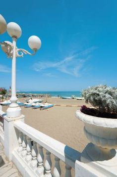 Benalmádena, Málaga, Costa del Sol, is a handy base for exploring the interior of Málaga like  the inland villages, Ronda, Mijas and the White Towns  & the Cádiz province...