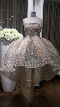Prom Dress For Teens, 2019 Strapless Lace Ball Gown Prom Dresses With Pearls Asymmetrical, cheap prom dresses, beautiful dresses for prom. Best prom gowns online to make you the spotlight for special occasions. Lace Ball Gowns, Ball Gowns Prom, Wedding Gowns, Ball Gowns Fantasy, Homecoming Dresses Sleeves, Junior Bridesmaid Dresses, Pageant Dresses, Quinceanera Dresses, Robes D'occasion