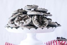 Norma's Cookies and Cream Candies #cookies and cream #justapinchrecipes Vanilla Wafer Crust, Vanilla Cookies, Yummy Cookies, Oreo Pudding Pies, Cream Pie Recipes, Cookie Recipes, Sweets Recipes, Homemade Banana Pudding, Cream Candy