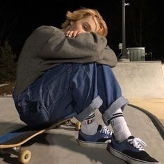 The largest selection of the latest skateboard outfit in share now. Mode Grunge, Grunge Look, Grunge Style, Grunge Guys, Mode Outfits, Tumblr Outfits, Fashion Outfits, Fashion Ideas, Looks Hip Hop