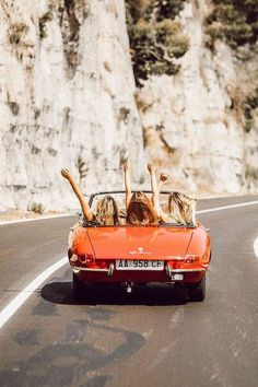 When you close your eyes, choose a spot on a map, and go on a spontaneous road trip with your besties. Because you only have one life. Photo via on her road trip in Italy. Auto Girls, Surfer, Summer Aesthetic, Aesthetic Korea, Orange Aesthetic, Travel Aesthetic, Best Friend Goals, Road Trippin, Adventure Is Out There