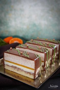 It& time for autumn delights 🍁 Today I have pecan citrus slices for you. Patisserie Design, Gourmet Desserts, Mini Desserts, Chef Recipes, Sweet Recipes, Baking Party, Vegan Kitchen, Vegan Sweets, Delicious Chocolate