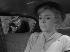 The Twilight Zone S01E16 The Hitch Hiker