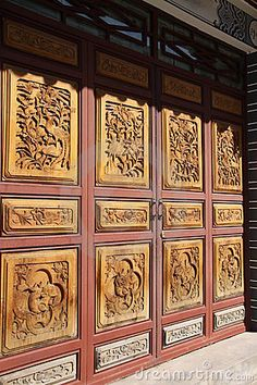 Traditional chinese encarved doors