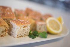 Nesten klassisk Focaccia – Fru Haaland Spanakopita, Feta, Food And Drink, Cheese, Baking, Ethnic Recipes, Ol, Patisserie, Backen