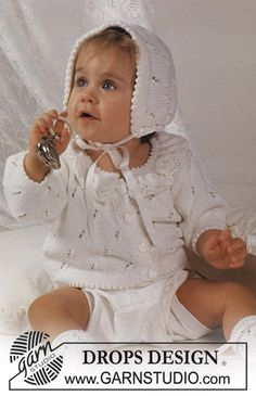 """DROPS Jacket in lace pattern with lace frill collar, bonnet and socks in """"Safran"""". ~ DROPS Design"""
