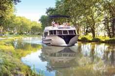 Le Boat - Offering an appealing array of luxurious self-drive watercraft, Le Boat provides wine tourists an unforgettable way to experience the South of France as they travel along the Canal du Midi.
