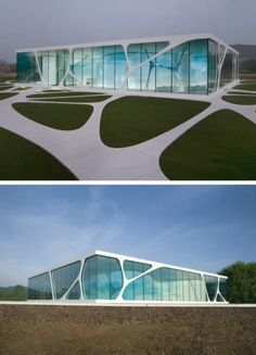 Leonardo Glass Cube is a glass-fronted brand pavilion in Bad Driburg, Germany designed by 3Deluxe . Designed for the Glaskoch Corporation and completed in May 2007, the pavilion is used for informal meetings and corporate hospitality.