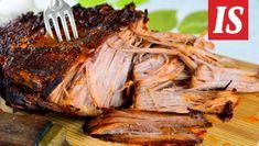Sokerisesta kolajuomasta saa mainion makukastikkeen pulled porkille. Kokeile sitä tähän nyhtöpossuun. Pork Brisket, Pork Ribs, Pulled Pork, Pork Recipes, Cooking Recipes, Cheesecake, Salty Foods, Tasty, Yummy Food