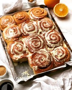 Cinnamon Rolls, Biscotti, Apple Pie, Food Styling, Muffin, Desserts, Winter Time, Brioche, Tailgate Desserts