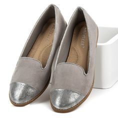 Ballerinas Comfortable and fashionable ballerinas for active women. Simple and elegant fashion will make the shoes fit all styling and will provide comfort throughout the day. The gray color and the silver nose make the characters look amazing. https://www.cosmopolitus.com/balerIny-odstiny-stribra-sede-a578g-p-250827.html?language=en&pID=250827 #Ballerines #gray #silver #elegant #comfortable #ladies #cheap #fashionable