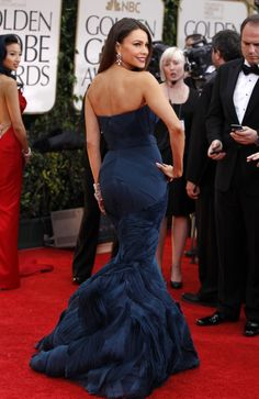 Sofia Vergara. I wonder if SD/YinD generally looks good in mermaid silhouettes, or if it's not type-related and just whether or not you're tall enough to put visual distance between the hips and the below-the-knee section?