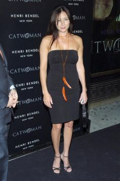 "Consumer Products and Henri Bendel Host Purr-fect ""Catwoman"" - - Shannen Doherty Online - Photo Gallery Shannen Doherty Charmed, Charmed Tv Show, Jennifer Aniston Style, Human Poses, Beverly Hills 90210, Online Photo Gallery, Beautiful Young Lady, Consumer Products, Body Art"