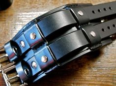 Leder Manschette Armband schwarz Breite Rocker von mataradesign