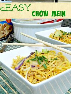 This Easy Chow Mein for #SundaySupper can be made and on the table in ten minutes!