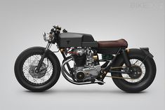 Love the angular lines and clean finish and materials choices! Yamaha XS650 by Thrive Motorcycle