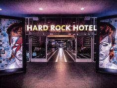 David Bowie Photographer's Estate Sues Hard Rock Hotel for Ripping Off 'Aladdin Sane' Artwork