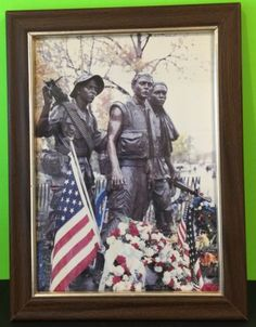 Vietnam-Memorial-Statue-Memorial-Day-Framed-Photograph-US-Flag