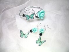 Parure Bracelet et Boucles d'oreilles argent 925 Fil d'alu rosa pastel avec perles en verre nacrées et roses