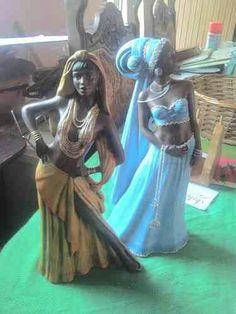 Oshun y yemaya Toy Art, Ifa Religion, Yemaya Orisha, Orishas Yoruba, African Goddess, Season Of The Witch, Gods And Goddesses, West Africa, Religious Art
