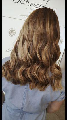 Hair color by milkshake Blonde Balayage, Blonde Highlights, Blonde Hair, Long Hair Styles, Milkshake, Hair Colors, Beauty, Shaving Machine, Barber Salon