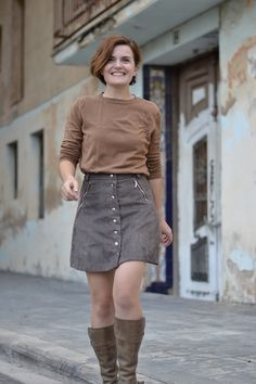 Rosarí skirt by Pauline Alice Patterns comes in different lengths with several pocket options.  Great vintage feel.