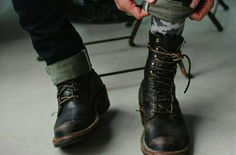 Military and combat style boots are fashionable for men. Check out our top 7 military boot choices to wear with your jeans and leather jackets. Fallout New Vegas, Reece King, Mythos Academy, Danny Collins, Mathilda Lando, Nate River, All The Bright Places, Outfits Hombre, Look Man