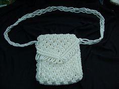 sample macrame purse long string pattern close